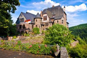 Hotel Burg Arras Alf Moezel