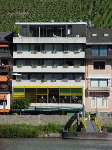 Hotel Zum Grunen Kranz Zell Moezel