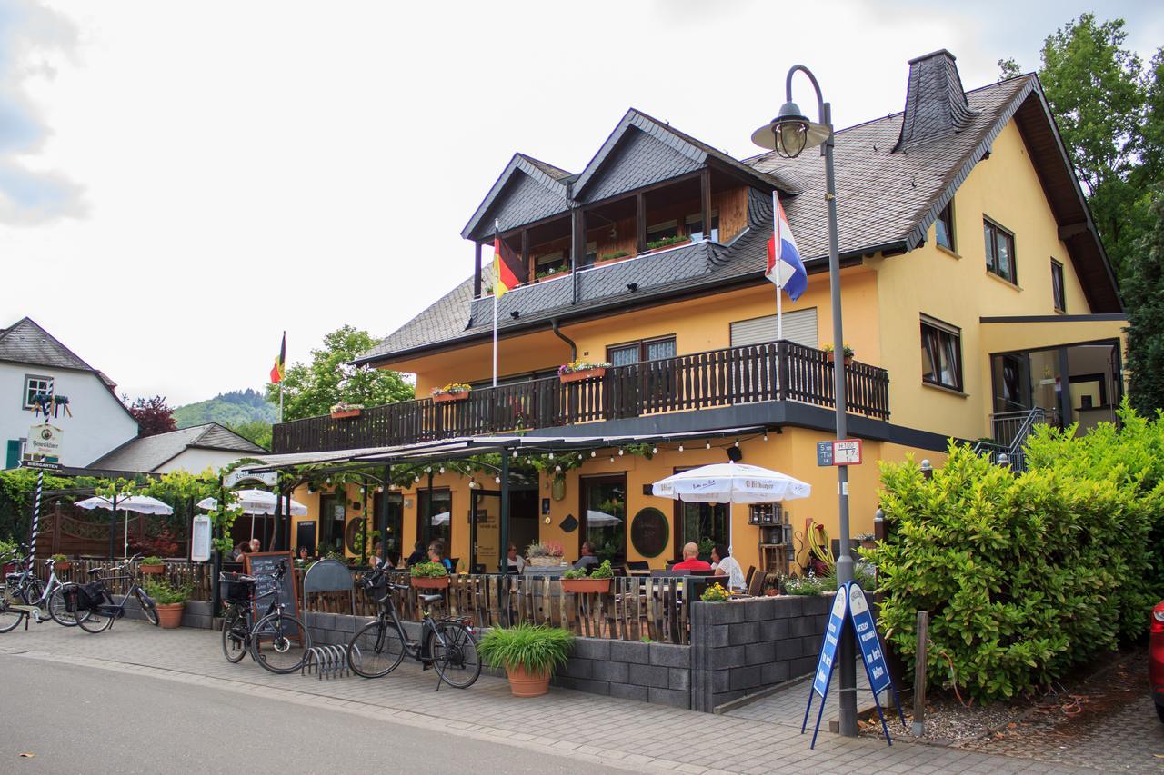Hotel Zur Brucke Senheim Moezel